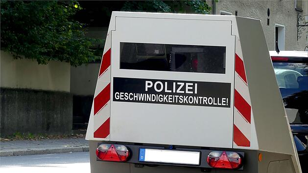 enforcement trailer blitzer polizei